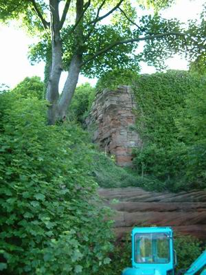 wemyss caves, digger below macduff castle